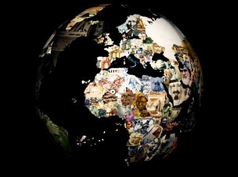 Global-Financial-Crisis-money-globe